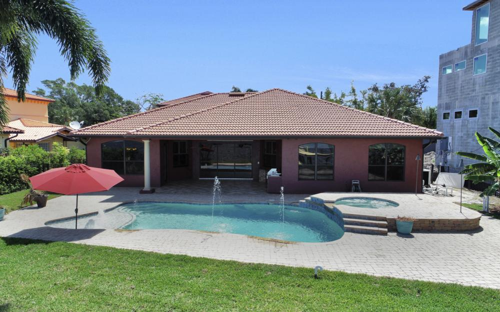 3978 W Riverside Dr, Fort Myers - Home For Sale 1039865733