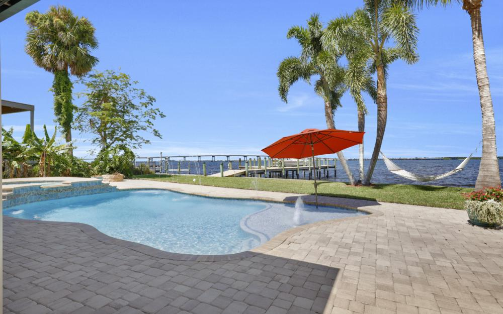 3978 W Riverside Dr, Fort Myers - Home For Sale 1018019182