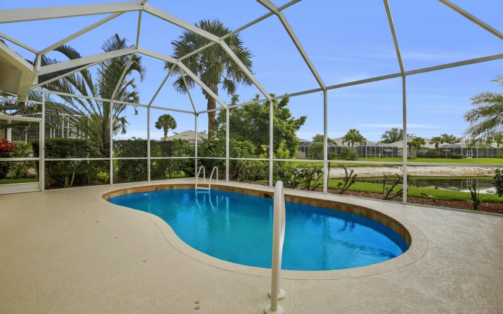 1956 Crestview Way, Naples - Home For Sale 116503026
