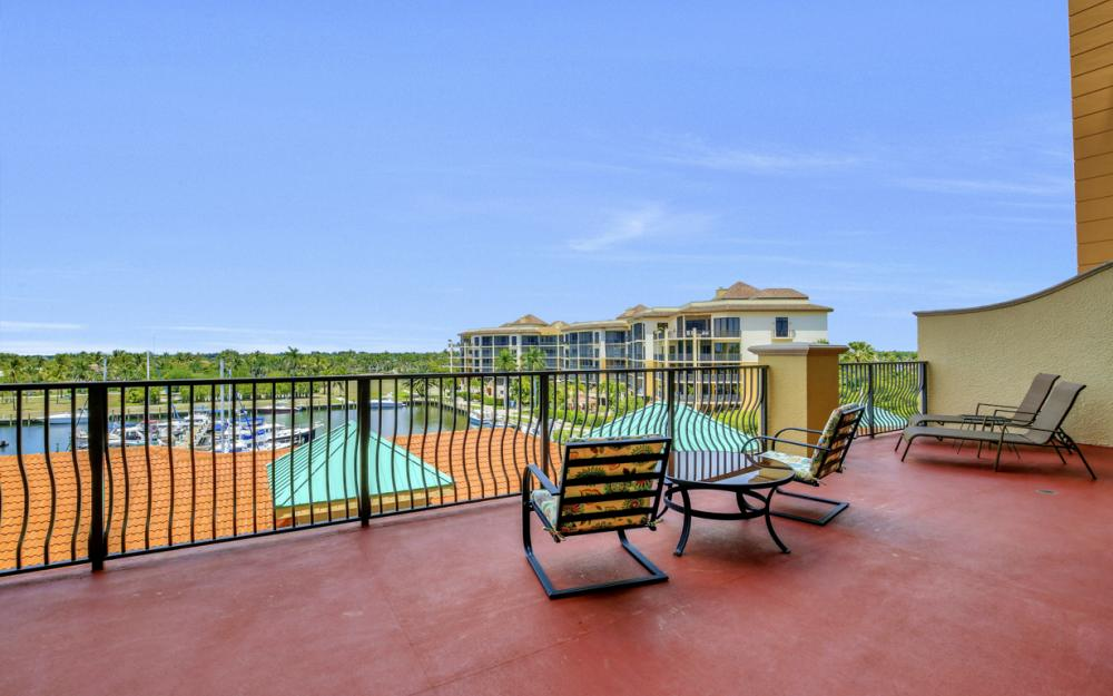 5793 Cape Harbour Dr #516, Cape Coral - Condo For Sale 754894272