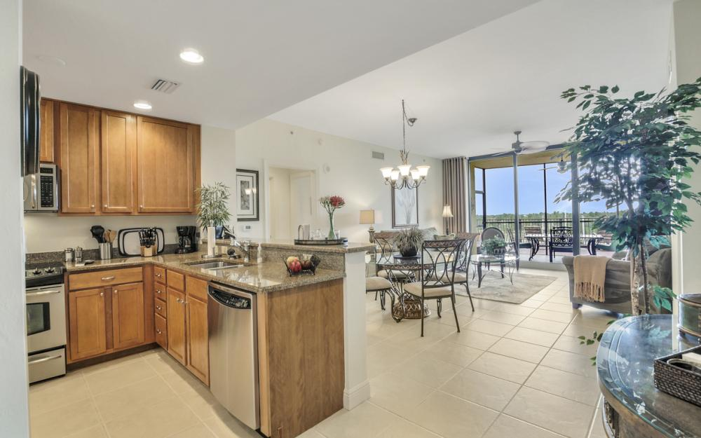 5793 Cape Harbour Dr #516, Cape Coral - Condo For Sale 843363609