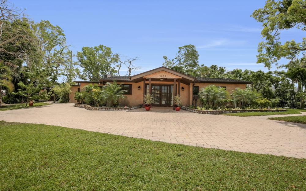 1374 13th St N, Naples - Home For Sale 242221601