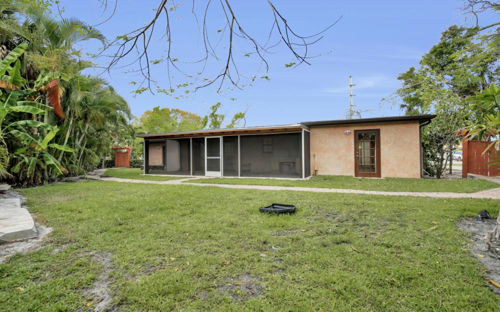 1374 13th St N, Naples - Home For Sale 2013319151