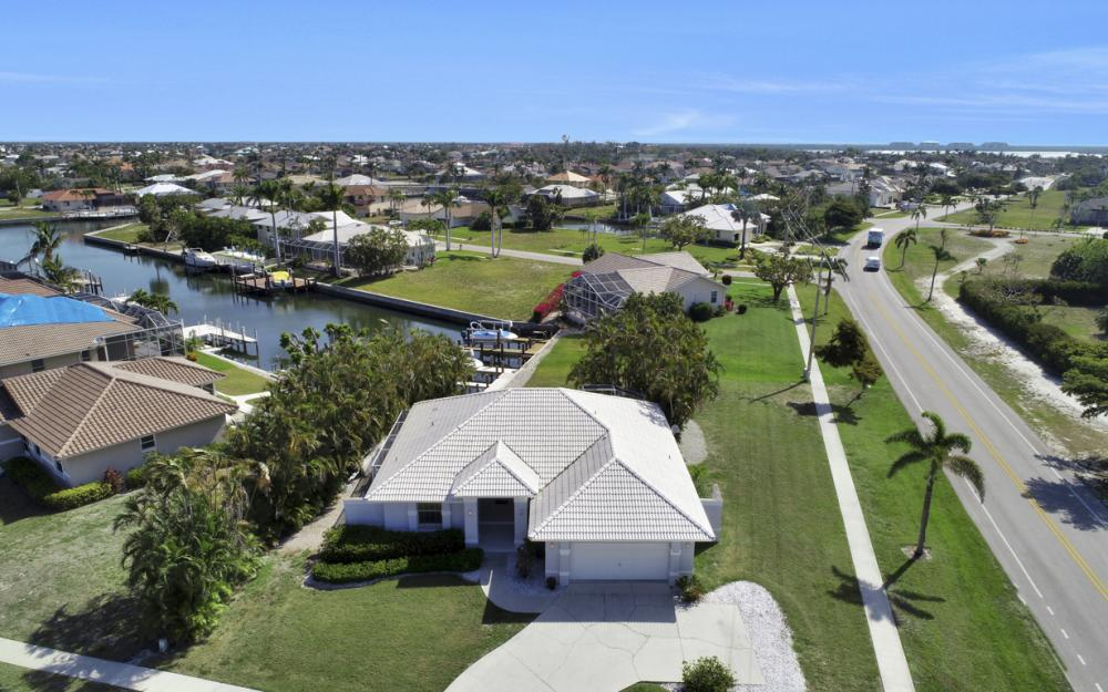 1530 Winterberry Dr, Marco Island - Home For Sale 245056946