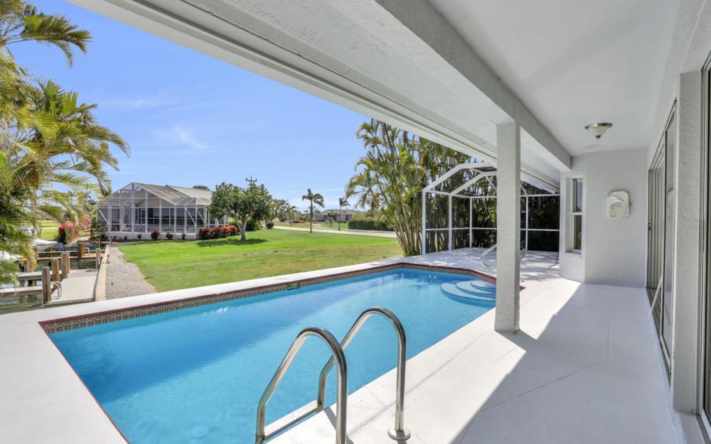1530 Winterberry Dr, Marco Island - Home For Sale 204628765