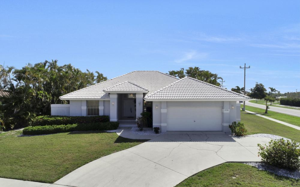 1530 Winterberry Dr, Marco Island - Home For Sale 969429859