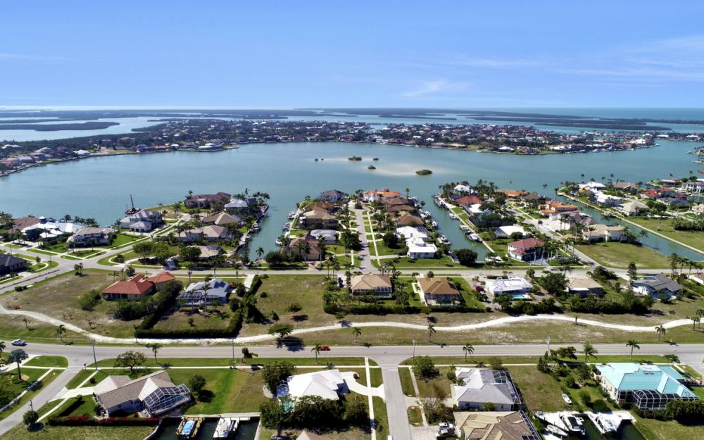 1530 Winterberry Dr, Marco Island - Home For Sale 2120078896