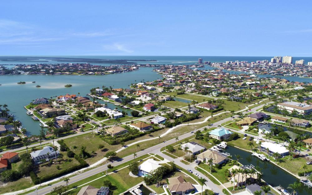 1530 Winterberry Dr, Marco Island - Home For Sale 107315119