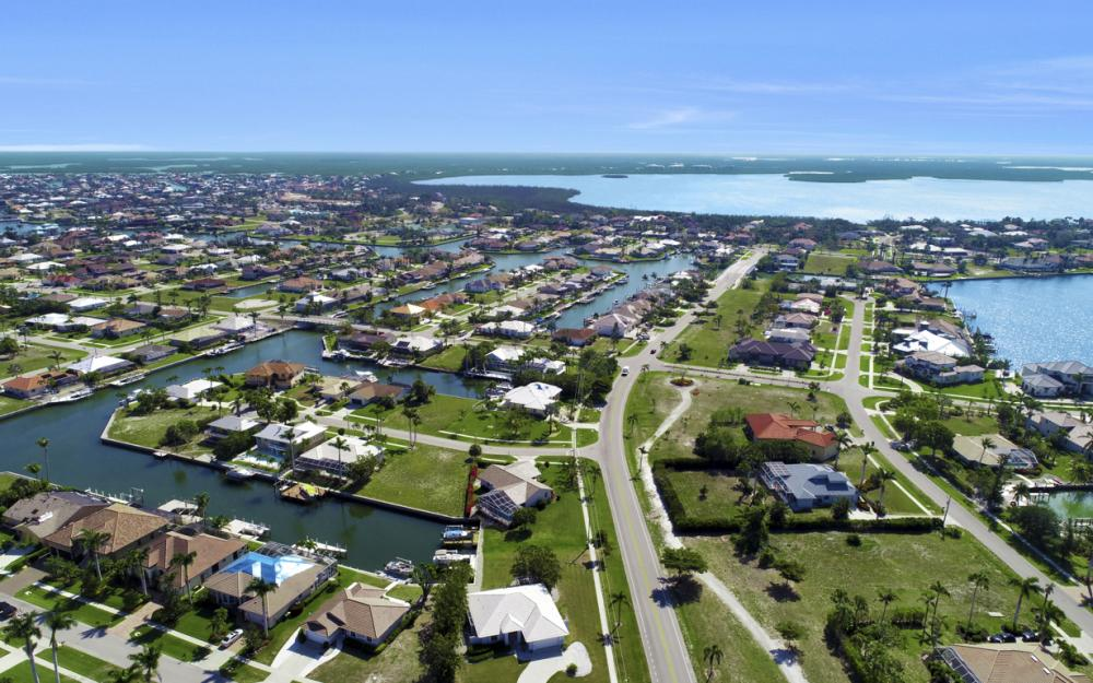 1530 Winterberry Dr, Marco Island - Home For Sale 813021641