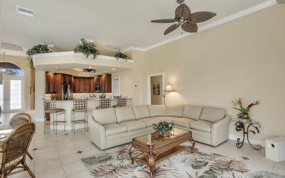 266 S Heathwood Dr, Marco Island - Home For Sale 1471359119