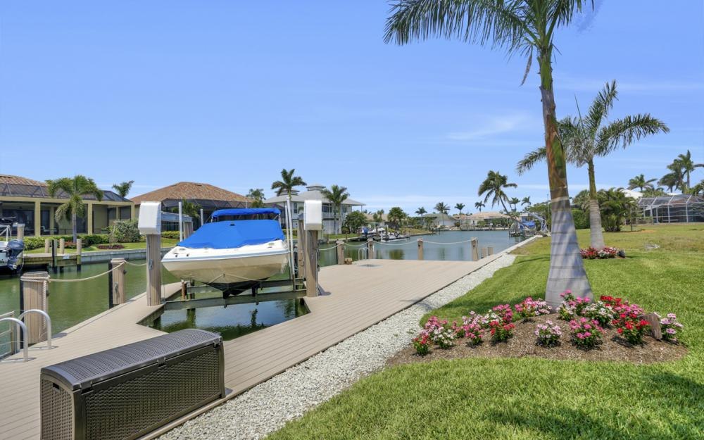 266 S Heathwood Dr, Marco Island - Home For Sale 467360486