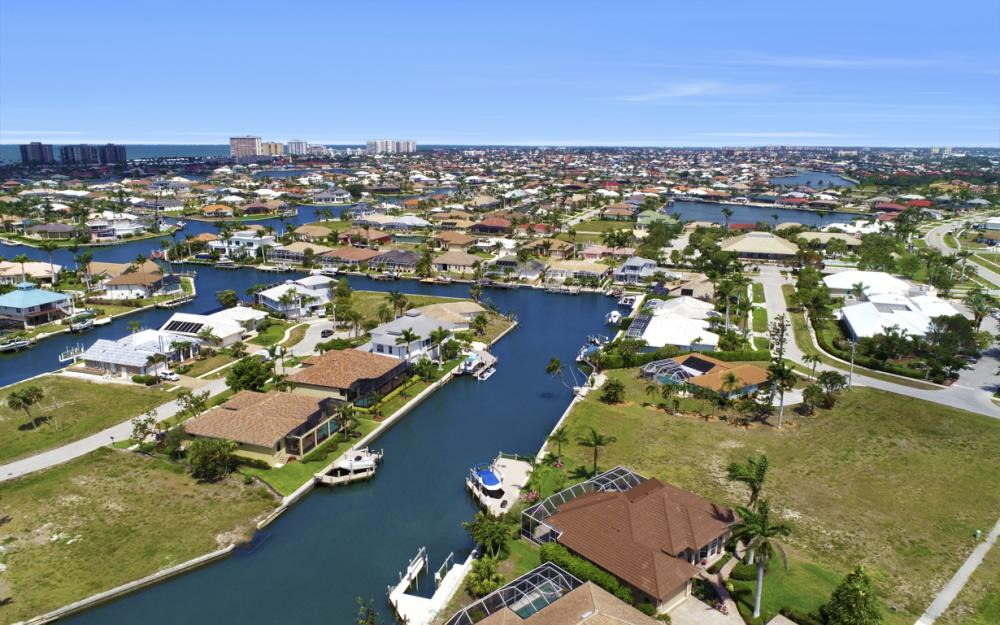 266 S Heathwood Dr, Marco Island - Home For Sale 1112684149