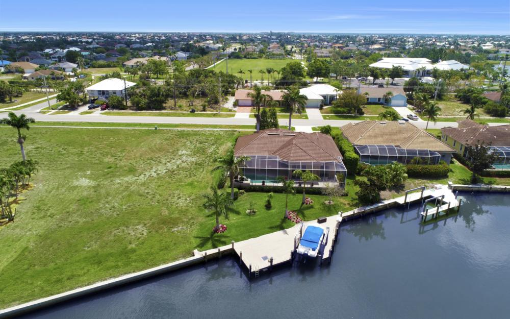 266 S Heathwood Dr, Marco Island - Home For Sale 526375578