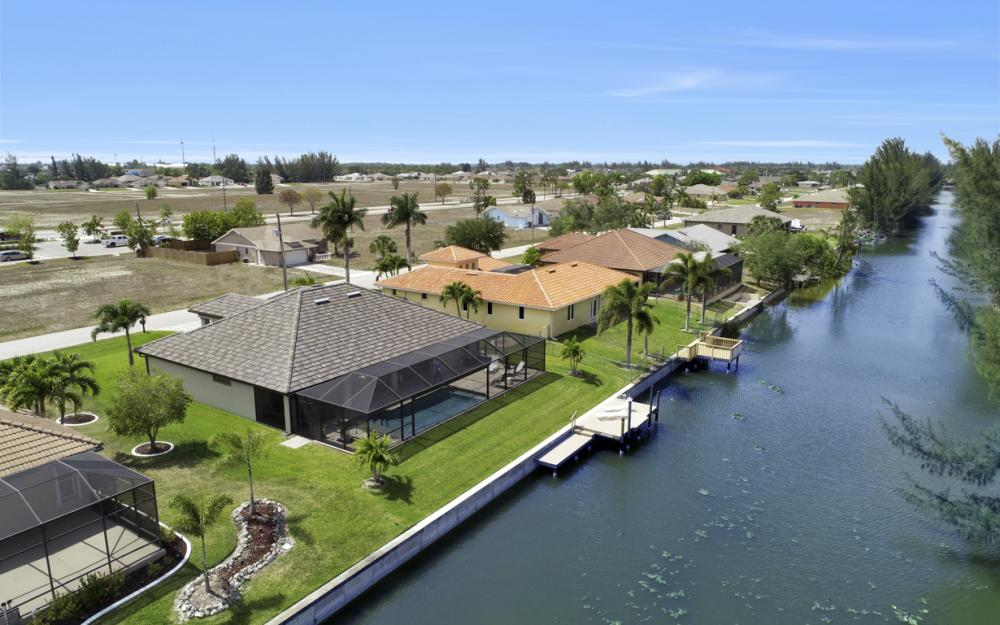 3605 SW 15th Pl, Cape Coral - Home For Sale 811382020