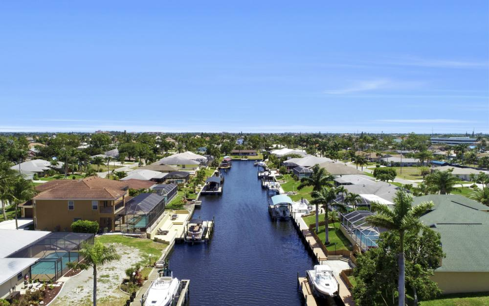 3328 SE 17th Pl, Cape Coral - Home For Sale 271604162