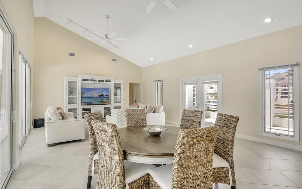621 S Barfield Dr, Marco Island - Home For Sale 2048230193