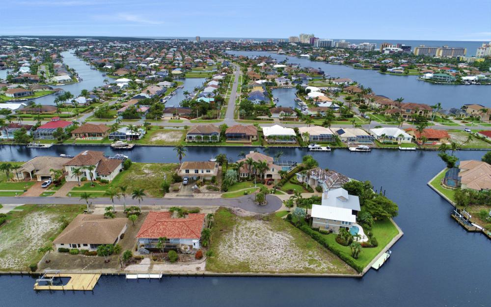 1044 Cottonwood Ct, Marco Island - Lot For Sale 1678515517