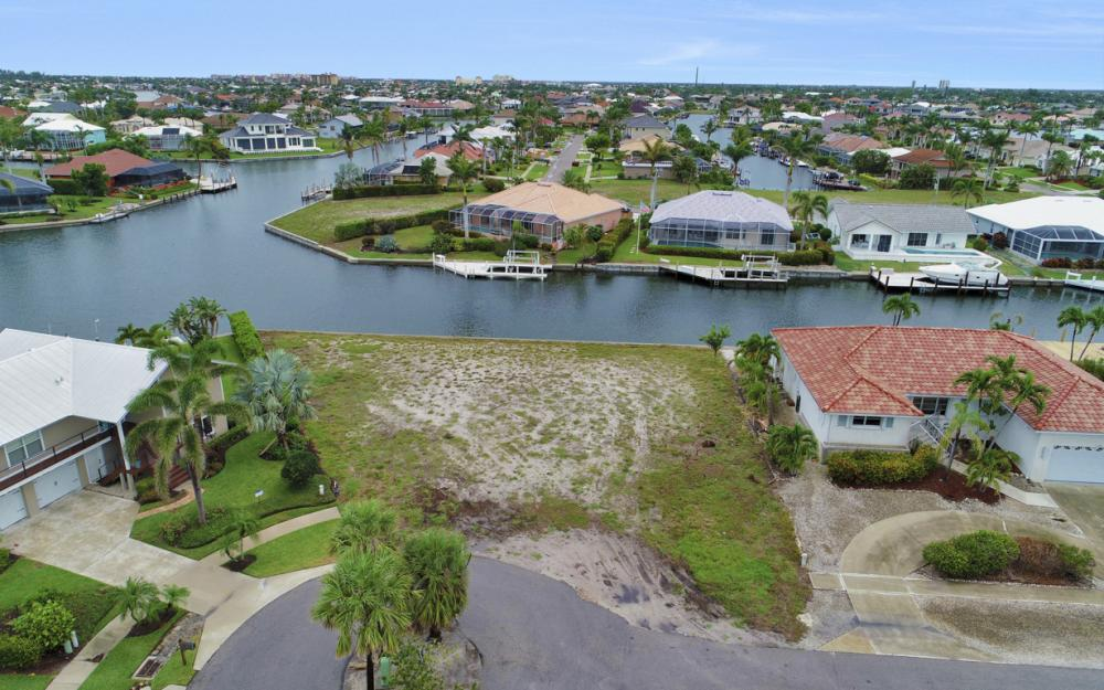 1044 Cottonwood Ct, Marco Island - Lot For Sale 1885751188