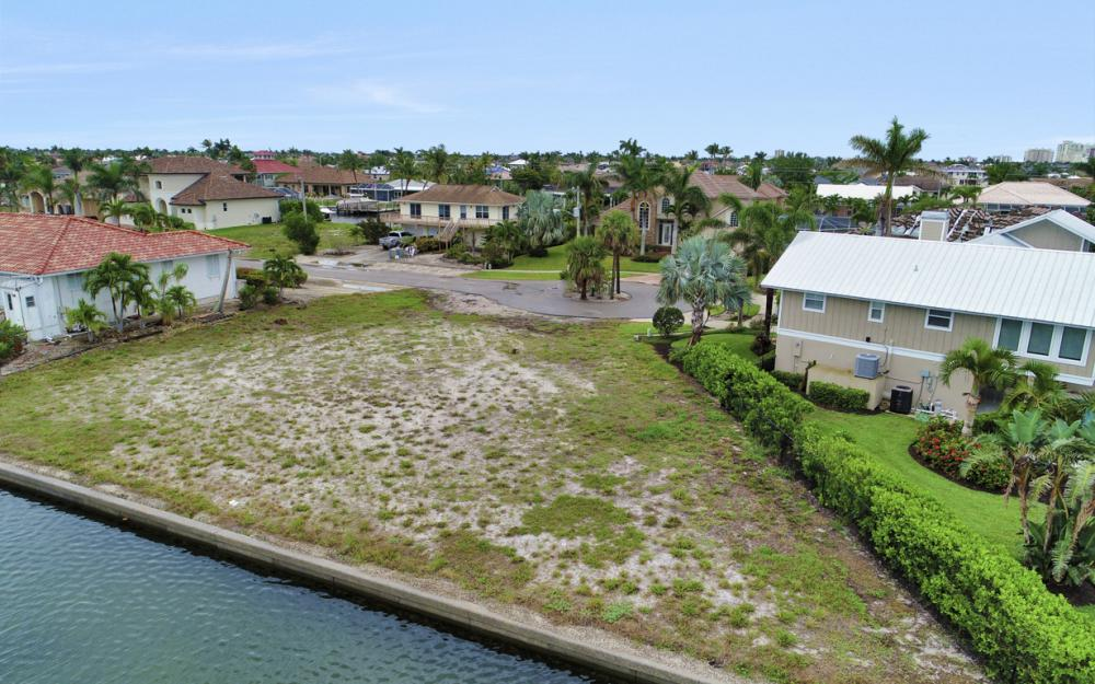 1044 Cottonwood Ct, Marco Island - Lot For Sale 952050162