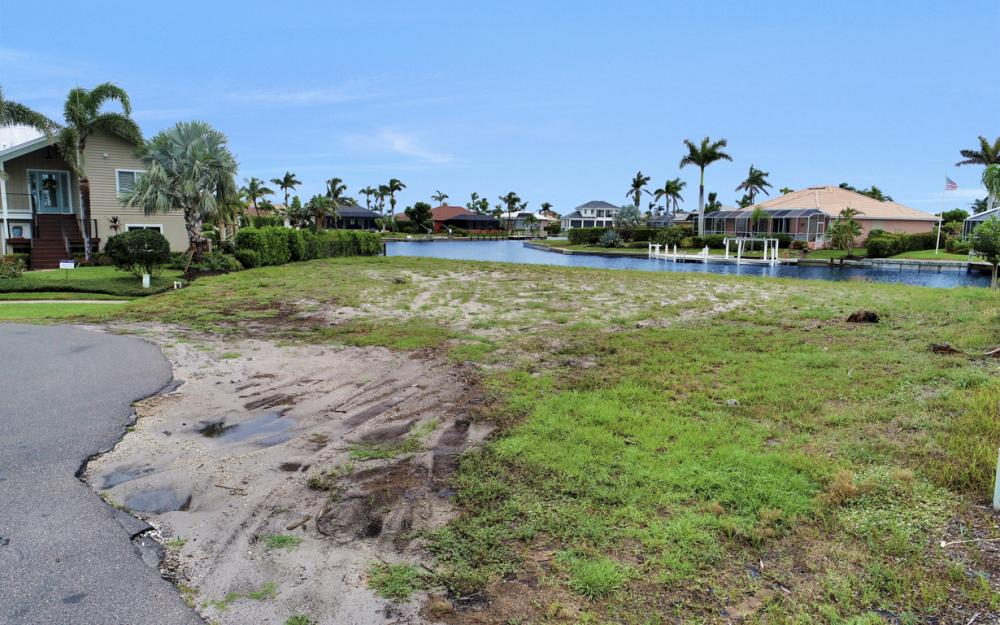 1044 Cottonwood Ct, Marco Island - Lot For Sale 1401814982