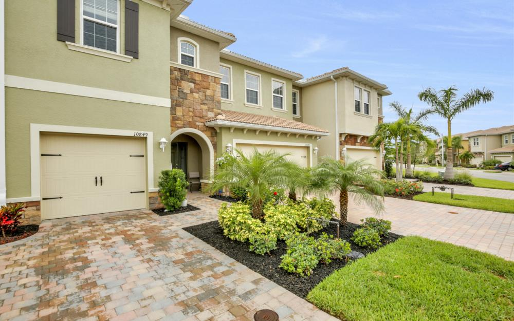 10849 Alvara Point Dr Bonita Springs - Home For Sale 1590557326