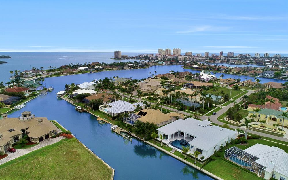 831 Eubanks Ct, Marco Island - Home For Sale 1379055985
