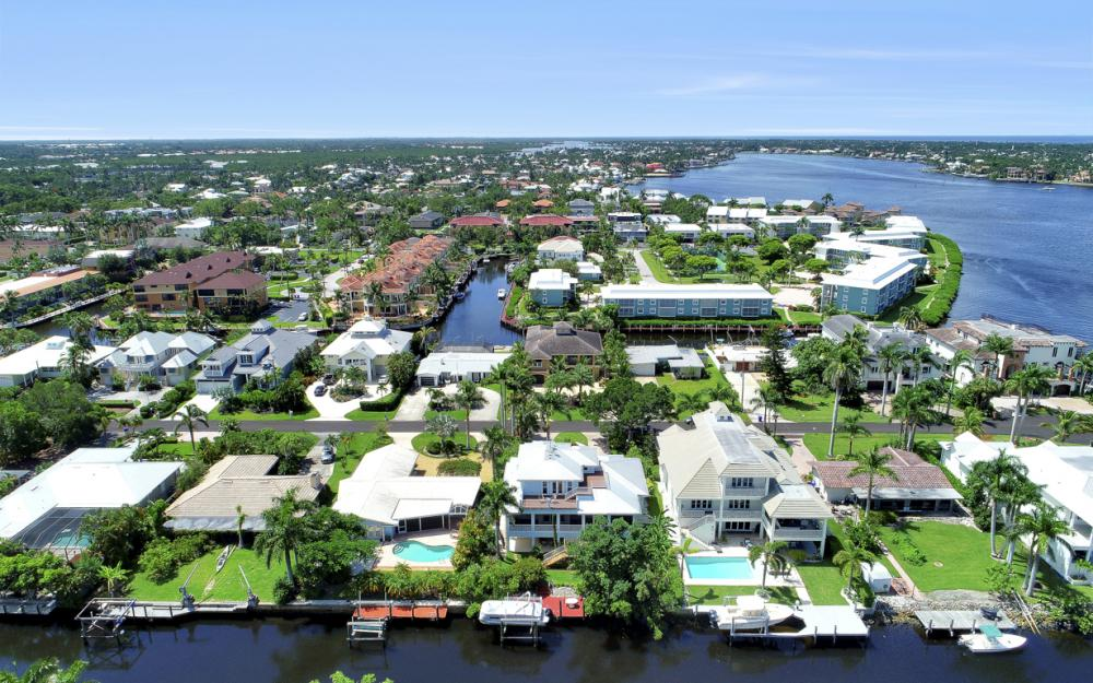 1415 Pelican Ave, Naples - Home For Sale 692649054