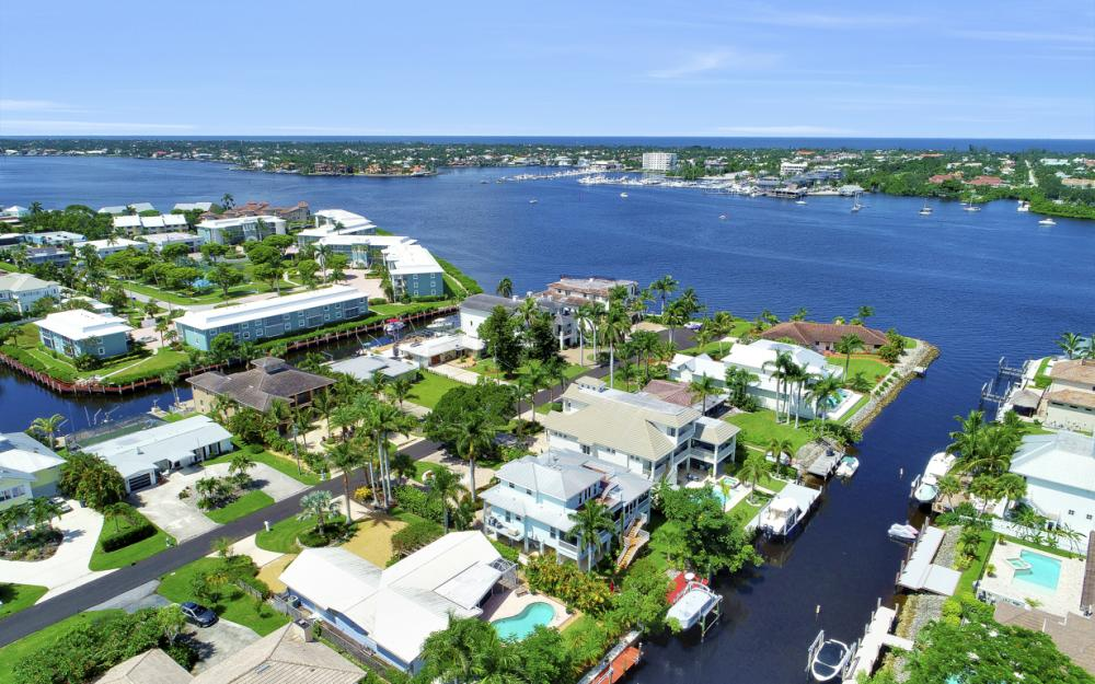 1415 Pelican Ave, Naples - Home For Sale 351187014