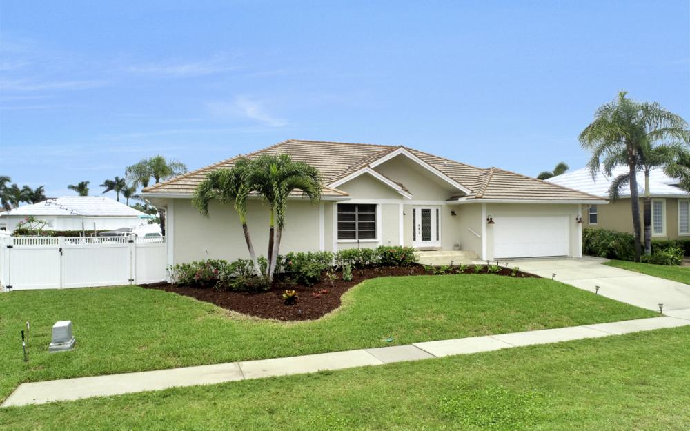 1850 Woodbine Ct, Marco Island - Home For Sale 217432917