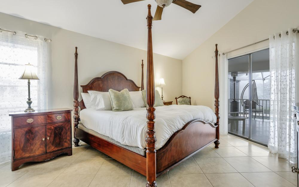 1850 Woodbine Ct, Marco Island - Home For Sale 895680231