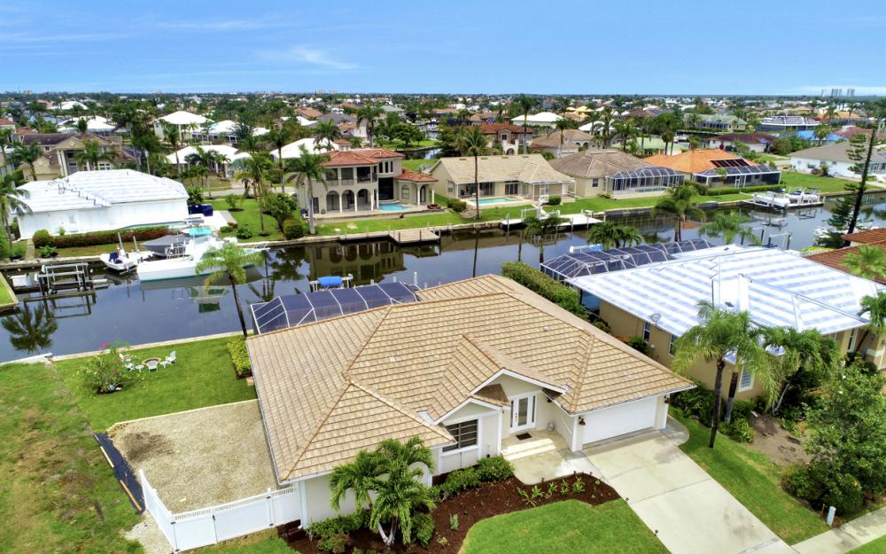 1850 Woodbine Ct, Marco Island - Home For Sale 77031566