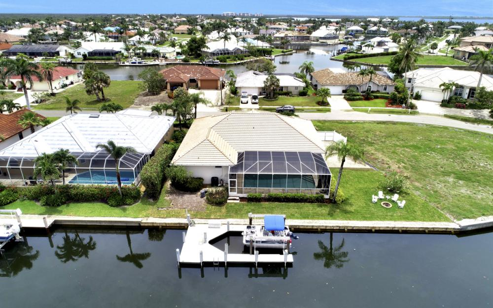 1850 Woodbine Ct, Marco Island - Home For Sale 694708445