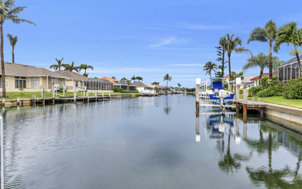 1850 Woodbine Ct, Marco Island - Home For Sale 644621044