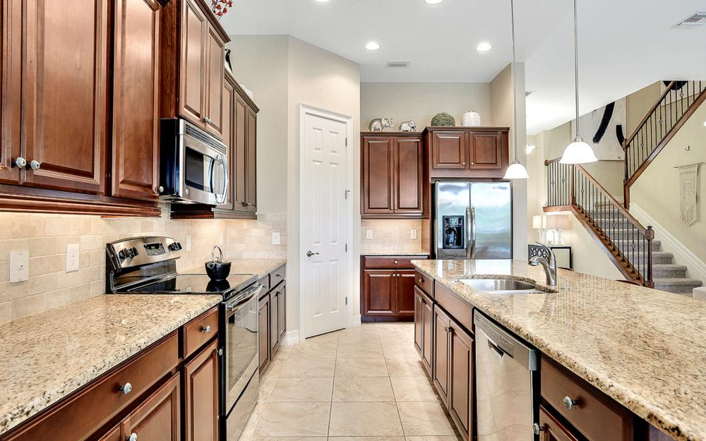 8020 Banyan Breeze Way, Fort Myers - Home For Sale 956740019