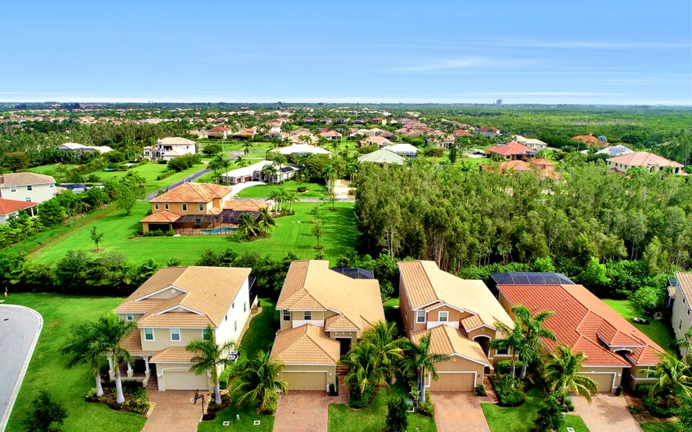 8020 Banyan Breeze Way, Fort Myers - Home For Sale 456288333