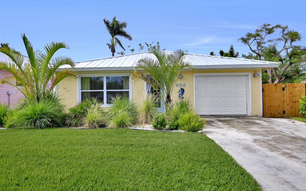 856 98th Ave N, Naples - Home For Sale 445247894