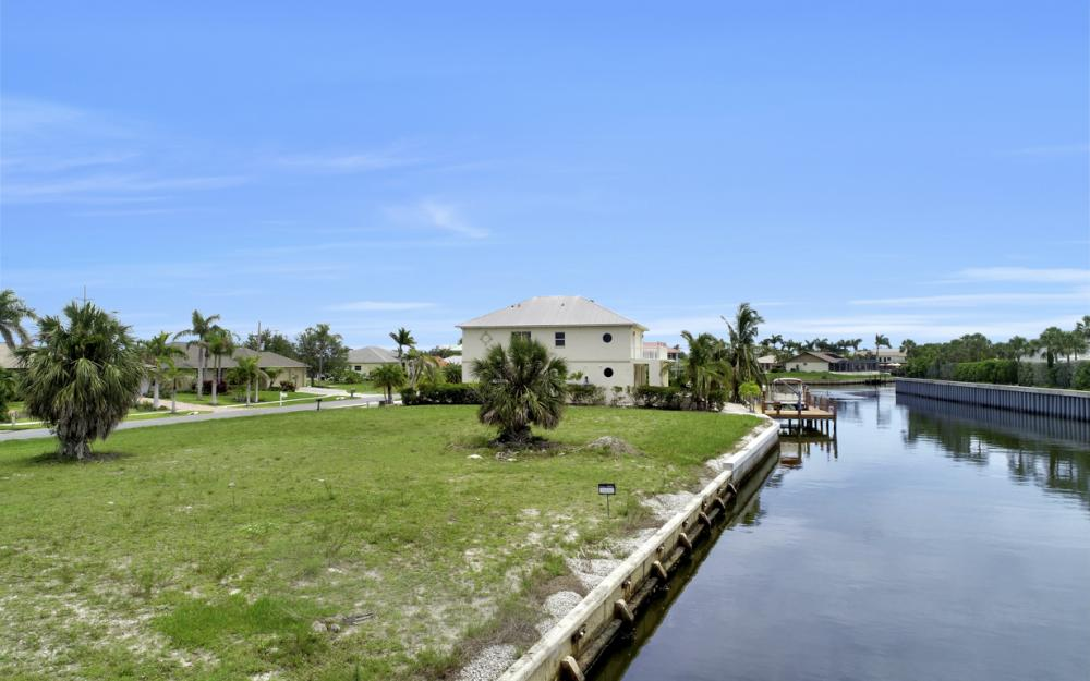 848 Rose Ct, Marco Island - Lot For Sale 1923723701