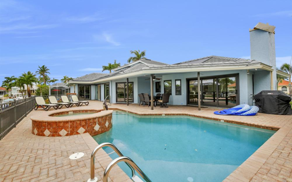 1241 Spanish Ct, Marco Island - Vacation Rental 1053556957