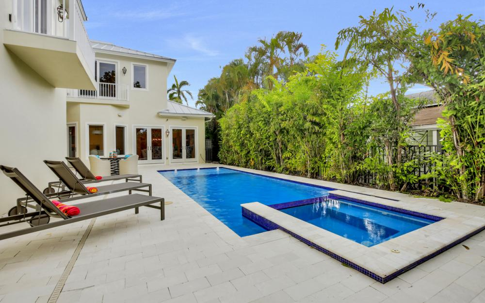 331 1st Ave S, Naples - Home For Sale 250939915