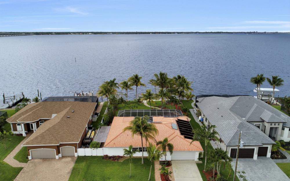 2510 SE 28th St, Cape Coral - Home For Sale 242994015