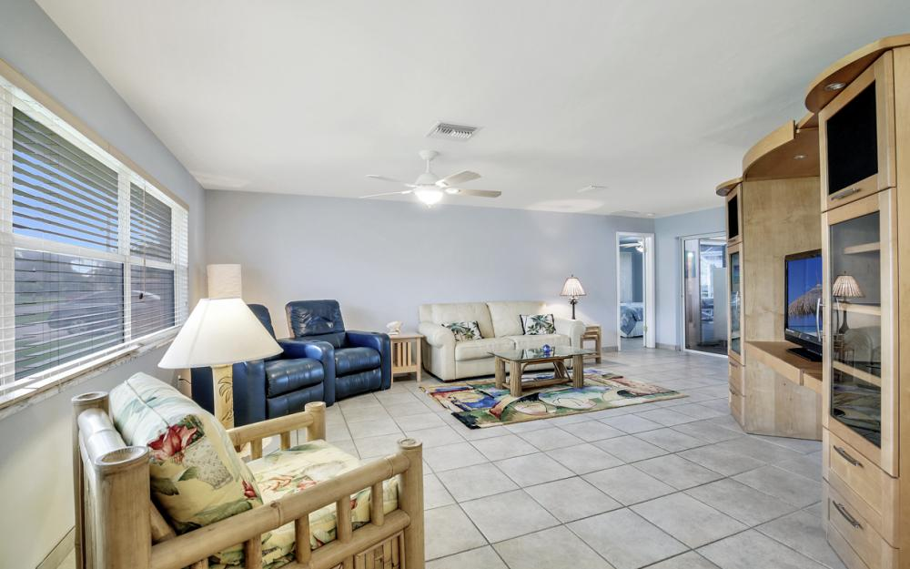 2510 SE 28th St, Cape Coral - Home For Sale 87987668