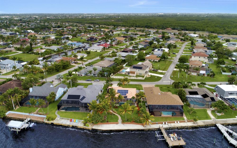 2510 SE 28th St, Cape Coral - Home For Sale 1130422372