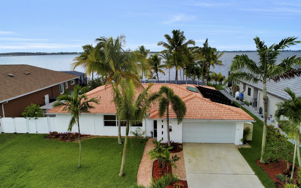 2510 SE 28th St, Cape Coral - Home For Sale 658728804