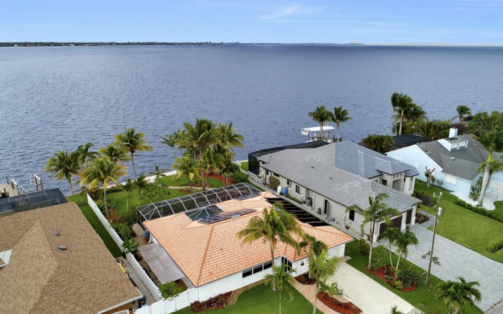 2510 SE 28th St, Cape Coral - Home For Sale 856340783
