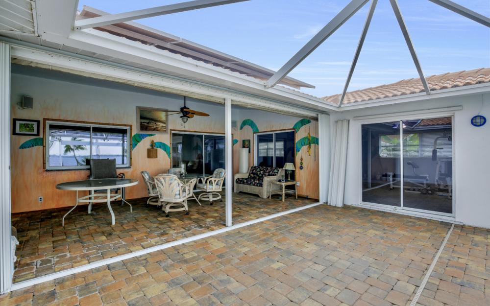 2510 SE 28th St, Cape Coral - Home For Sale 1088851823
