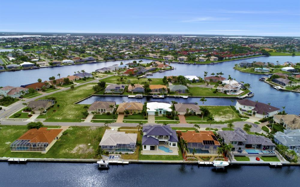 258 Capistrano Ct, Marco Island - Home For Sale 722094611