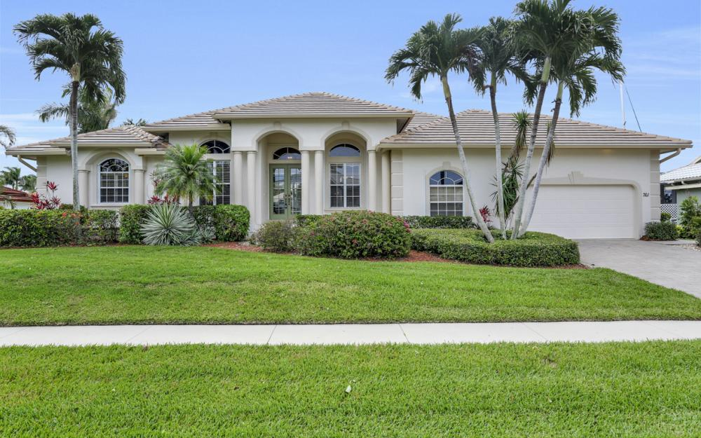 761 Plantation Ct - Marco Island - Home For Sale 972634808