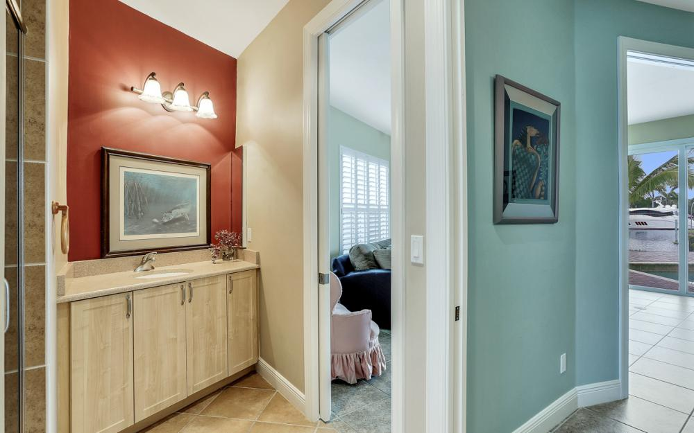 109 Montrose Dr, Fort Myers - Home For Sale 1146092366
