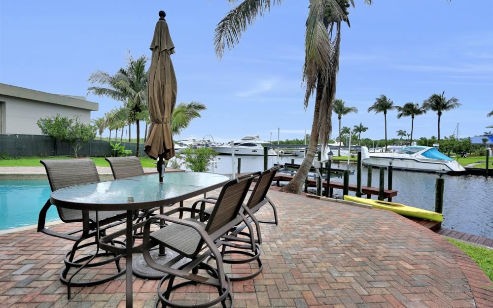 109 Montrose Dr, Fort Myers - Home For Sale 2114776833