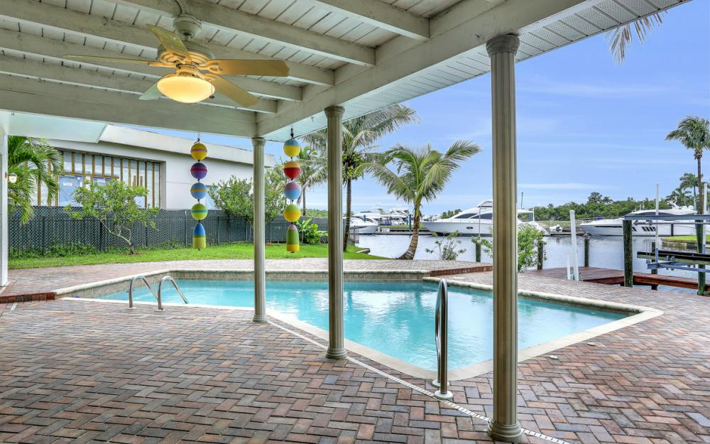 109 Montrose Dr, Fort Myers - Home For Sale 1063812401